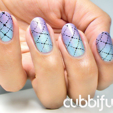 Holo gradient nails thumb370f