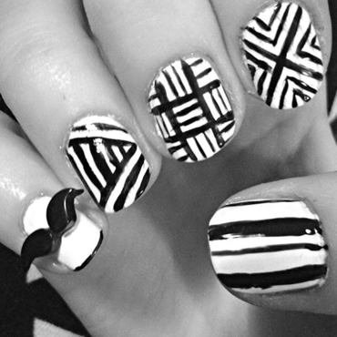 Black and White  nail art by Neve212