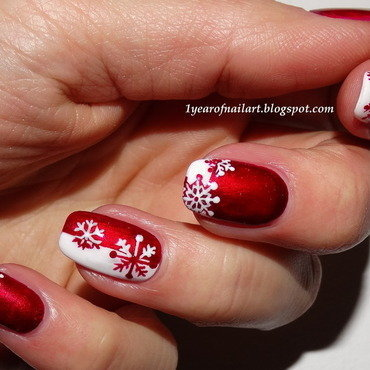 Wishing for a white Christmas nail art by Margriet Sijperda