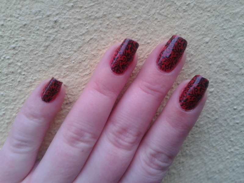 Colourchanging red with stamping nail art by Jájis