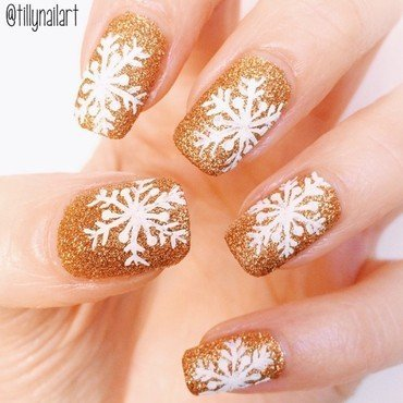 Gold 20snowflake 20nails thumb370f