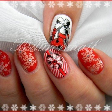Noel en rouge et blanc nail art by BAurorenail