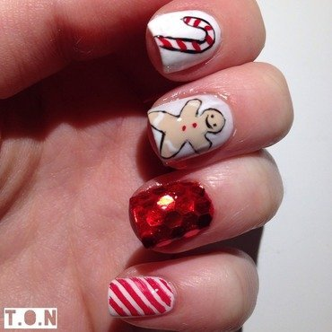 Christmas Candy nail art by Tipped Off Nails