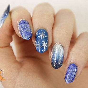 Winter Sparkles! nail art by Robin