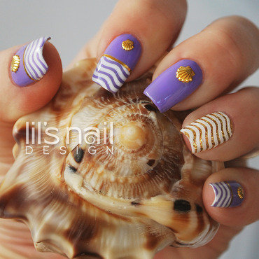 Beachy Waves nail art by Lily-Jane Verezen