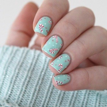 Candy canes nail art by Cocosnailss
