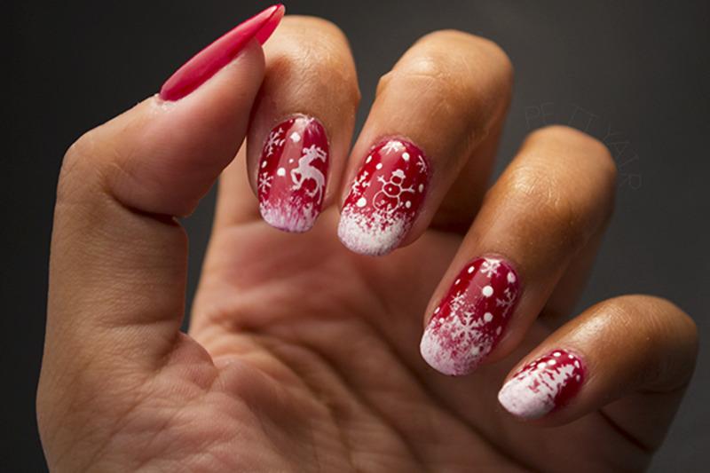 A very Merry Christmas nail art by Ayaka Shiroyama