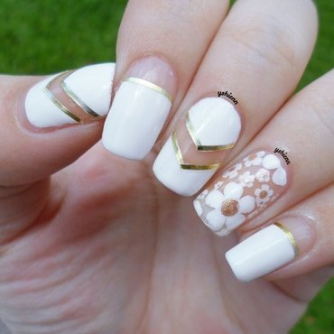 Negative floral nail art by Shien