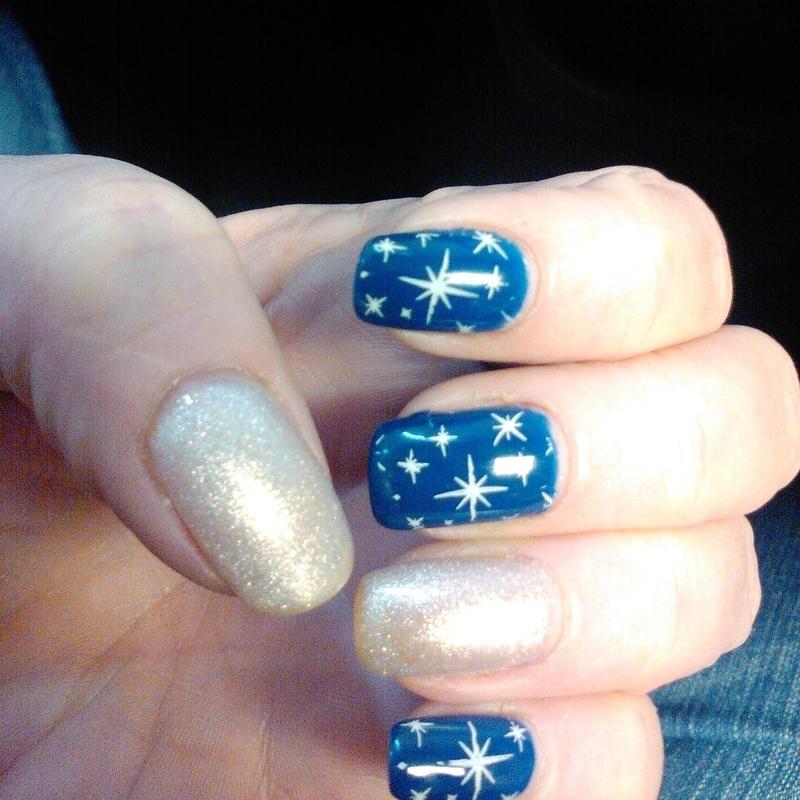 christmas star nails nail art by Shelle Blalock - Christmas Star Nails Nail Art By Shelle Blalock - Nailpolis