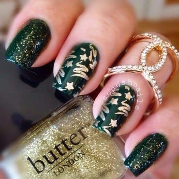 Gold  Christmas Tree nail art by Debbie