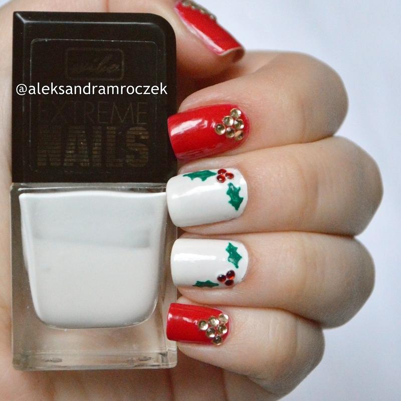 mistletoe nail art  nail art by Aleksandra Mroczek