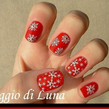 Snowflakes on red nail art by Tanja