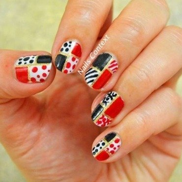 Retro Christmas Nail Art nail art by NailsContext