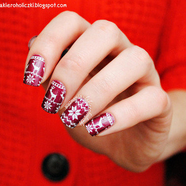 Christmas 20nails 20norwegian 20designs 20reeinders 201 20moyou 20london 20festive 2004 thumb370f
