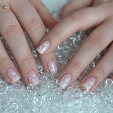 Let it snow nail art by 9th Princess