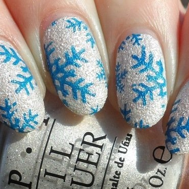 Textured Snowflake Stamping nail art by Plenty of Colors