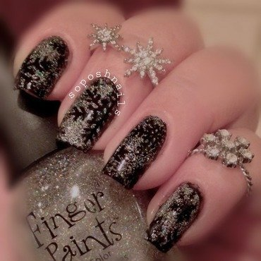Sparkle and Snowflake nail art by Debbie