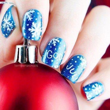 Christmas nail art by Temperani Nails