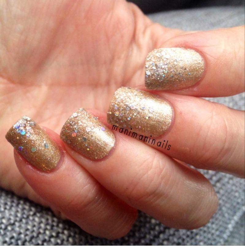 Gold glitter gradient nail art by manimaninails