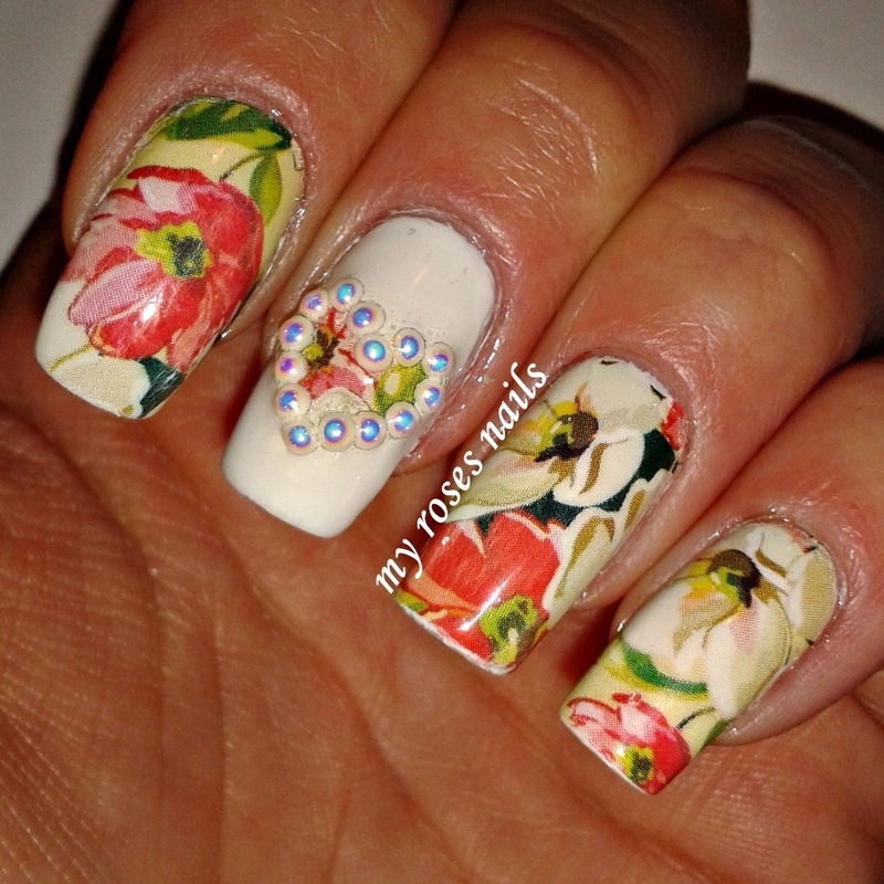 Floral and pearls nail art by Ewa