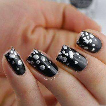 NYE Champagne nail art by Ann-Kristin