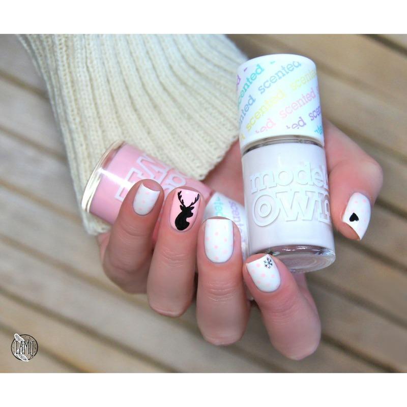Reindeer nails nail art by Paulina