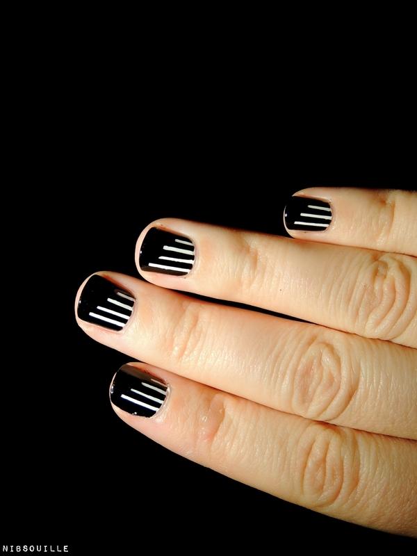 Nail art minimaliste nail art by Nibsouille