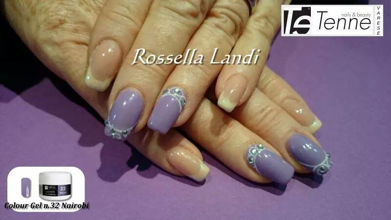 Elegant Violet nail art by Rossella Landi