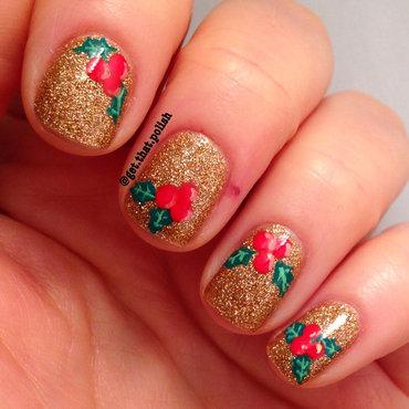 Holly gold nail art by Luciana