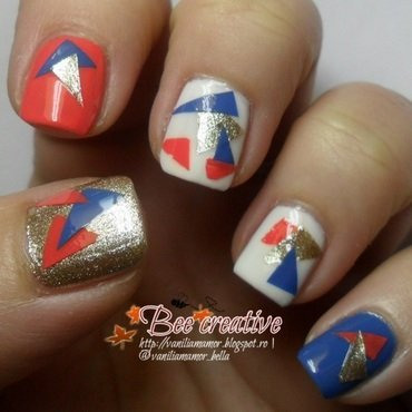 Geometrical nail art by Isabella