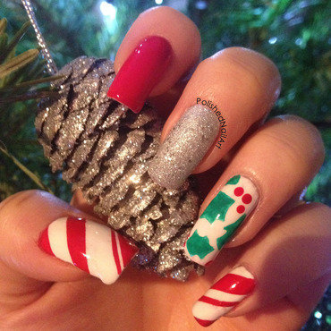 Christmas Day nails nail art by Carrie