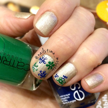 Winter flowers nail art by nailstime_moscow