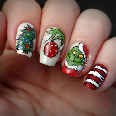 Grinch Nails nail art by Kim