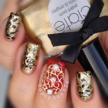 Rose Vine and Gold Glitter nail art by Debbie