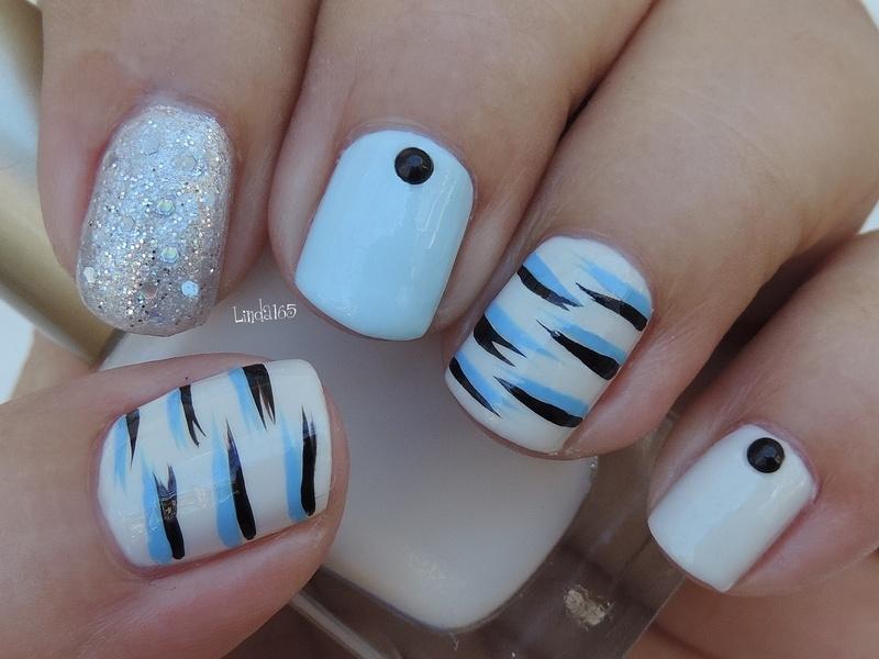 Blue Tiger nail art by Iliana S.