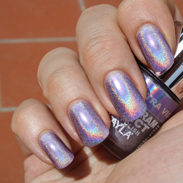 Layla Ultra Violet Swatch by Frank