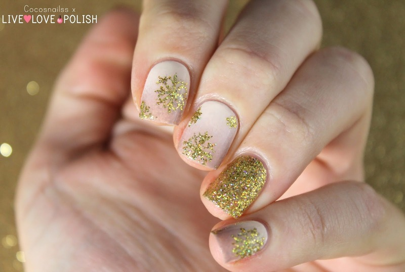 Festive snowflakes nail art by Cocosnailss