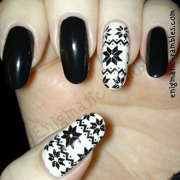 Winter Sweater Knit Nails nail art by Enigmatic Rambles