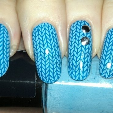 Blue Knit, Studded Nails nail art by Enigmatic Rambles