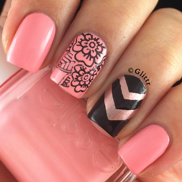 Chevron & Flower accent mani nail art by Glittr