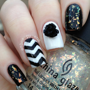 Black 20and 20white 20chevron 20nails thumb370f