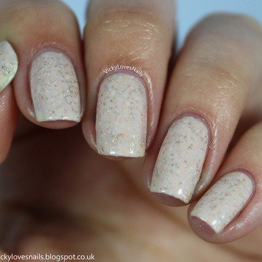 Tara's Talons Cherry Blossom Swatch by Vicky Standage