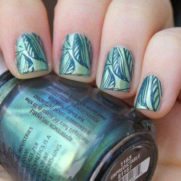 Leaves nail art by Moriesnailart