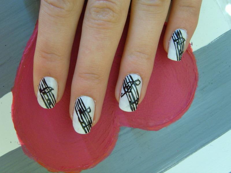 Music ;) nail art by Lakierowniczka