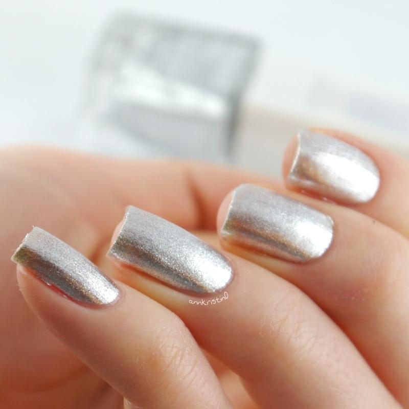 Isadora Silver Sparkles Swatch by Ann-Kristin