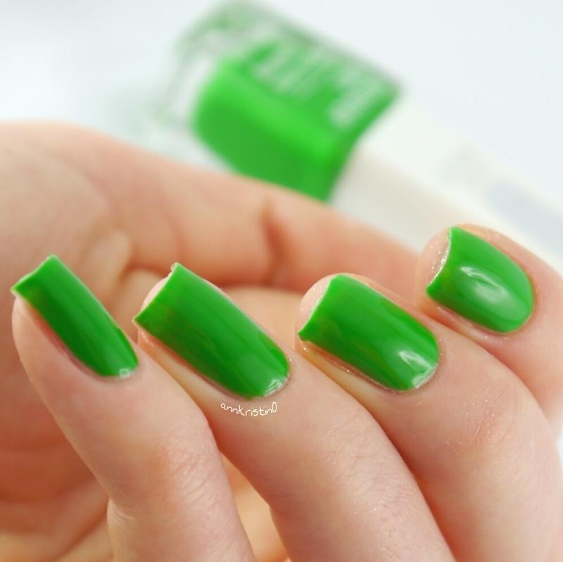 Isadora Go Green Swatch by Ann-Kristin