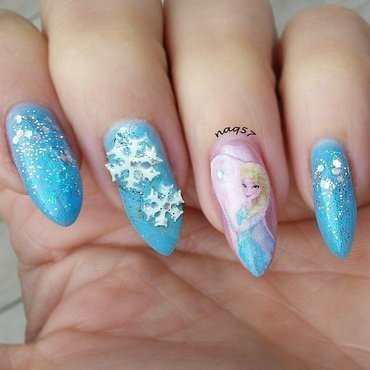 Frozen's Elsa nail art by Nora (naq57)