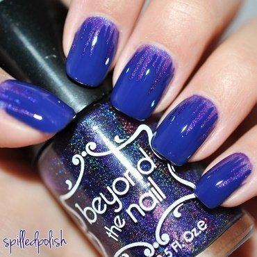 Holographic Purple Icicles nail art by Maddy S