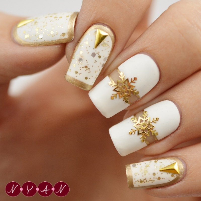 Let It Snow nail art by Becca (nyanails)