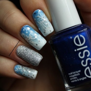 Winter Wonderland Twinnails nail art by NailartAddicted